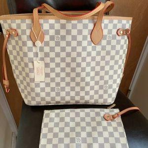 ***neverfull Louis Vuitton